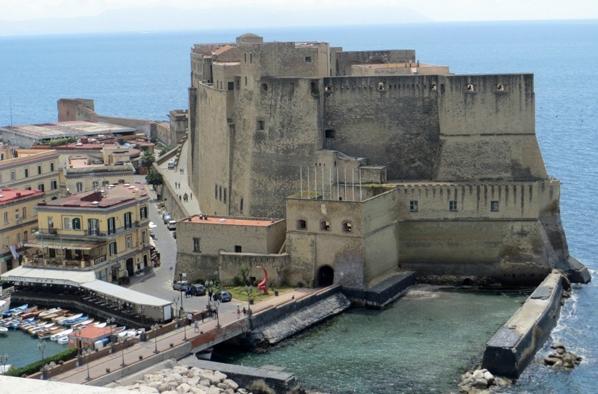 Неаполь - Замок Яйца (Castel dell'Ovo)