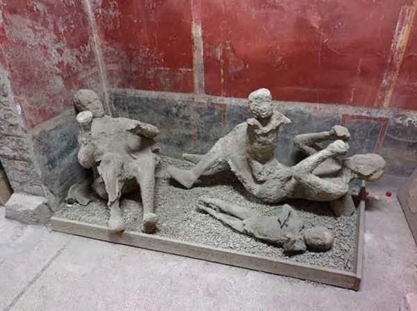 Сексуальные фрески и статуи в помпеях