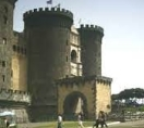 Castel Nuovo, также Маскио Анджоино