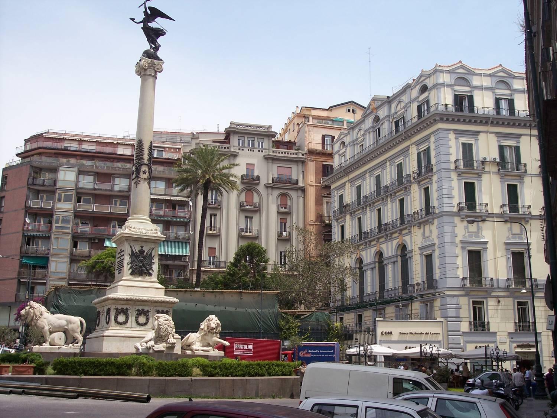 Площадь Мучеников - Piazza dei Martiri