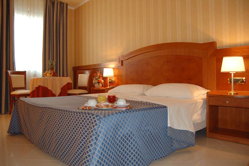 Отель Joyfull - удобно для ночных перемещений