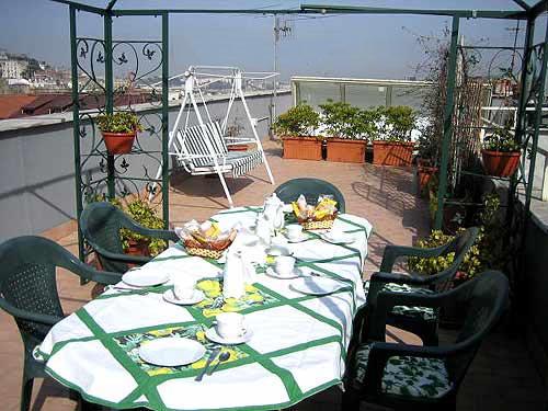 Отель Terrazza - завтрак на большой террасе