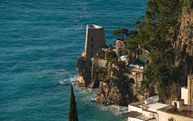 живописный город Амальфи был мощной морской итальянской республикой.