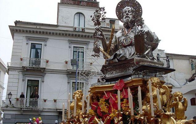 Главные реликвии города – его уникальные церкви.