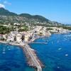 Искья, самый большой остров в Неаполитанском заливе