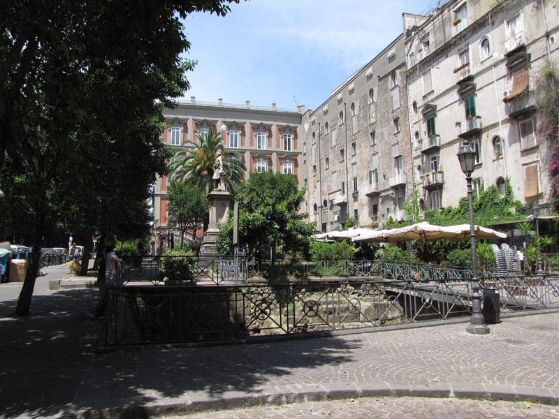 Площадь Беллини - Piazza Bellini