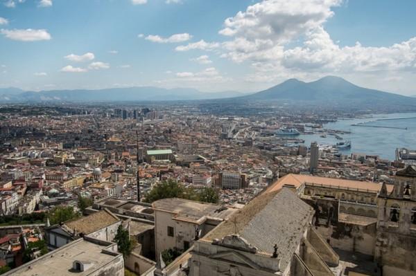 Наплыв туристов в Неаполь растет