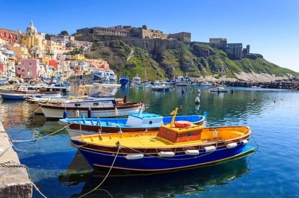 Прочида — маленький остров Неаполитанского залива