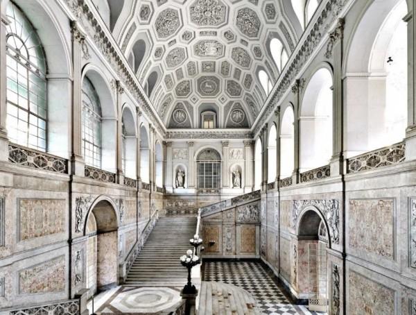 Королевский дворец - Палаццо Реале в Неаполе