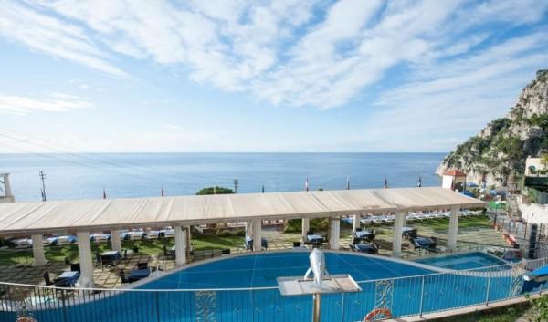 На Капри сможете подобрать гостиницу по весьма доступным ценам