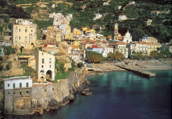 Долгое время Минори являлся центром религии Амалфитанской ривьеры