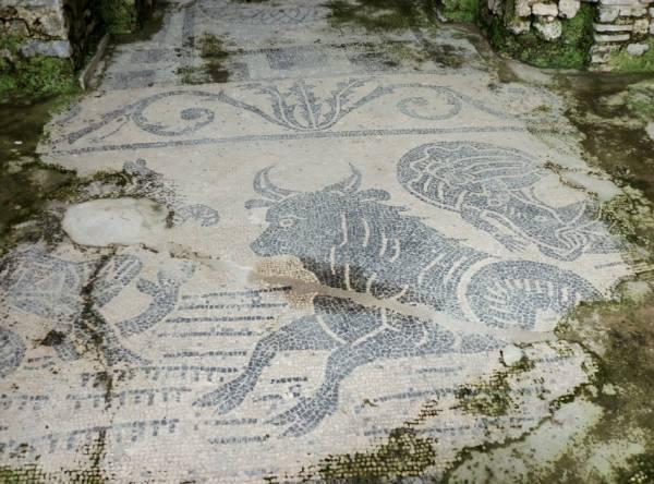 Минори - открытую галерею и отлично сохранившуюся мозаику