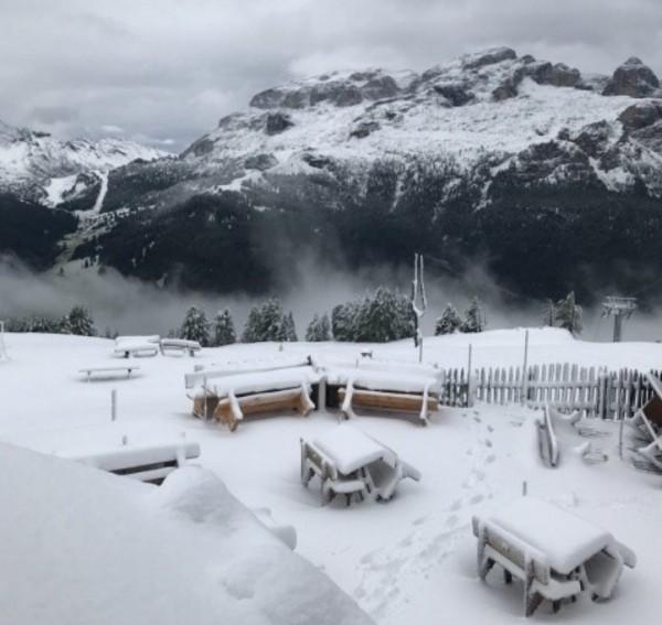Доломиты: в �тальянских Альпах выпало больше 30 сантиметров снега