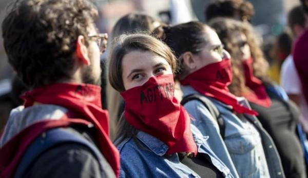 По всей �талии протестные митинги студентов