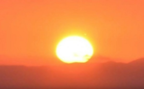 �тальянец снял неизвестный объект на Солнце