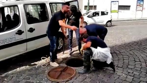 В Неаполе бандиты ограбили почту воспользовавшись канализацией