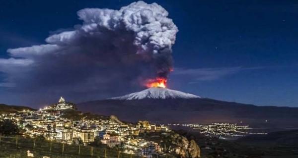 На Сицилии наблюдается повышенная активность вулкана Этна
