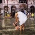 В Венеции подъем воды привел к затоплению главной городской площади