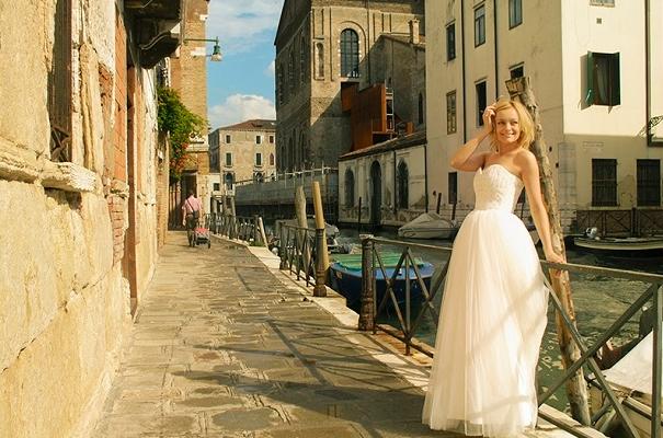 Звезда «Голоса» Елена Максимова приехала в Италию для съемок нового клипа
