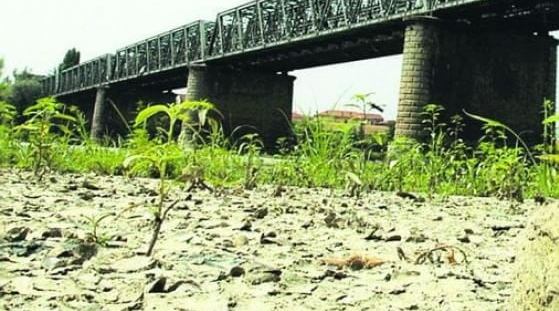 Река По высыхает, многие берега в опасности