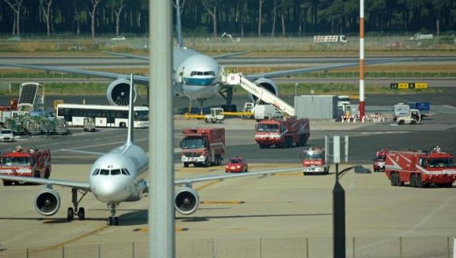 Никем незамеченный самолёт приземлился в аэропорту Рима