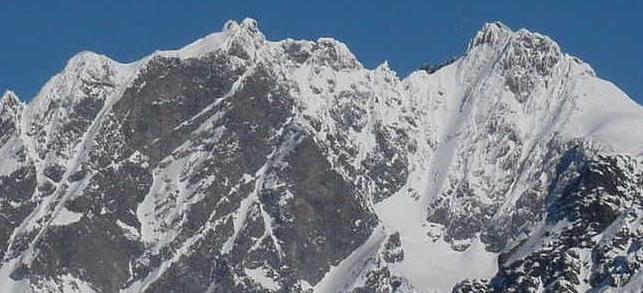 Несколько дней назад один из альпинистов сообщил в полицию Вальтеллины об обнаружении на леднике Scerscen останков человека
