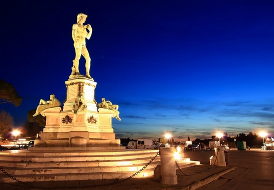 селфи - пятое место, статуя Давида Микеланджело во Флоренции