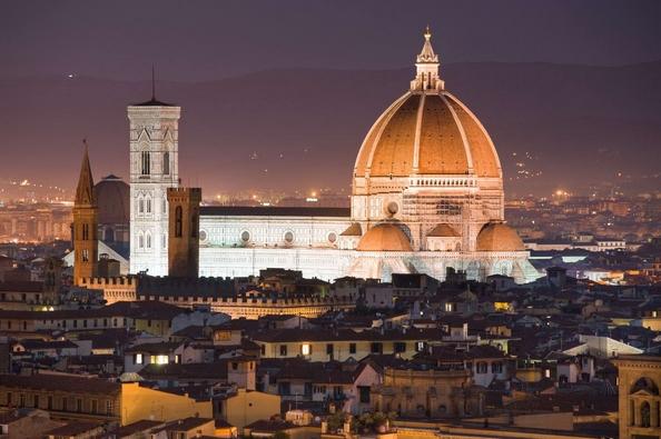 Рим и Флоренция остановились на третьем месте с тарифом в среднем 117 €, что знаменует снижение по сравнению с прошлым годом