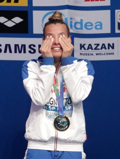 В это даже трудно поверить: 17-ти кратная чемпионка Европы по прыжкам в воду, великая итальянская спортсменка Таня КАНЬОТО