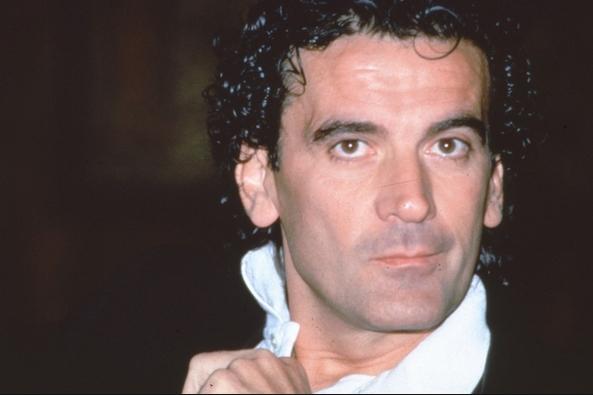 актёра, режиссёра, сценографа Massimo Troisi (19 febbraio 1953 – 4 giugno 1994)