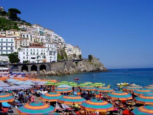 Италия ожидает прибыль от туризма