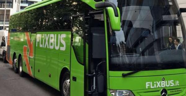 """Бари. Немецкая «зелёная» компания """"Flixbus"""" предлагает поездки от 1 Евро"""