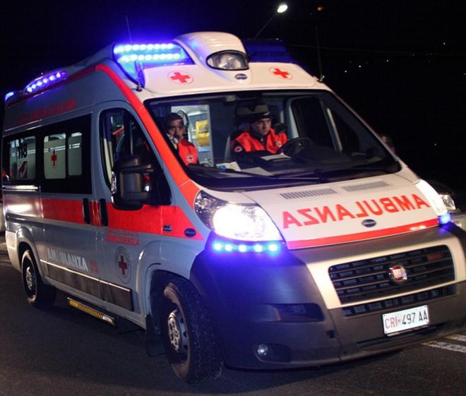 Итальянец 40 минут на спине нёс тестя с гор к машине скорой помощи