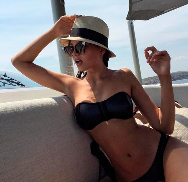 Дочь знаменитого теннисиста Евгения Кафельникова отдыхала на вилле своего бойфренда в Италии