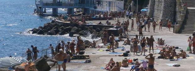 Анкона. Туристам на пляже воры угрожают смертью