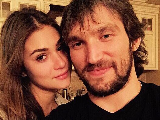 Саша Овечкин и Настя Шубская отправились в Италию с семьей девушки