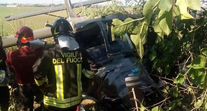 В Италии, на севере страны, потерпел крушение самолет, на борту которого были парашютисты