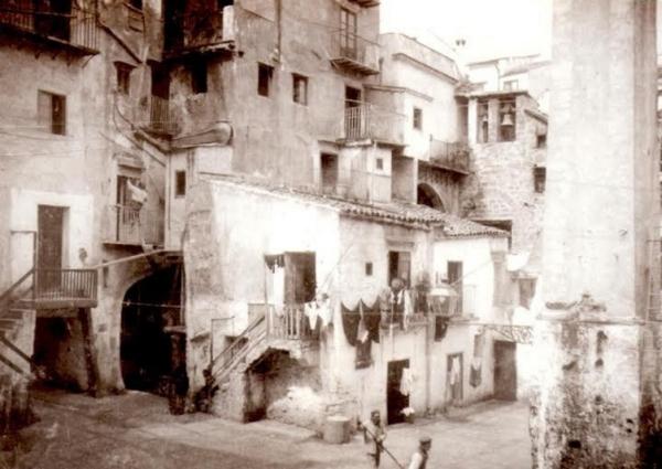 Исчезнувшие кинотеатры Палермо, существующее только на фото