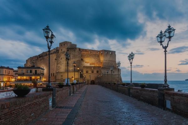 «Napul'è» Путешествие на холсте от Neapolis до Napoli