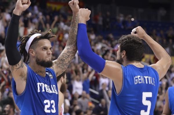 Итальянская «диаспора» из НБА приносит победу над фаворитом