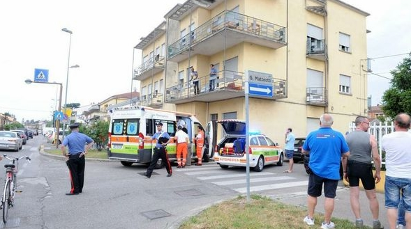 Американский ребенок упал с балкона в Риме