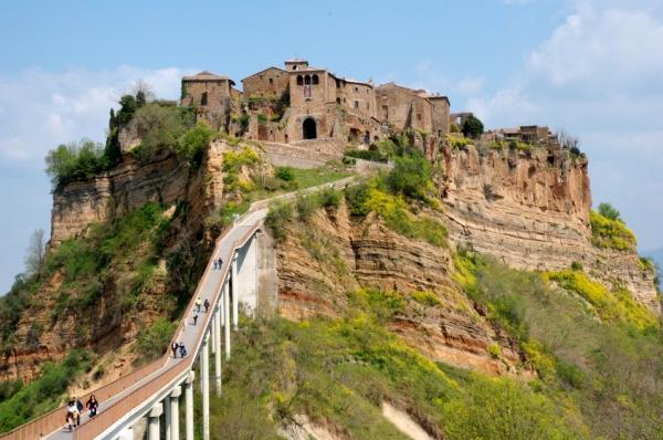 Город - Чивитa ди Баньореджо, основанного более 2500 лет назад