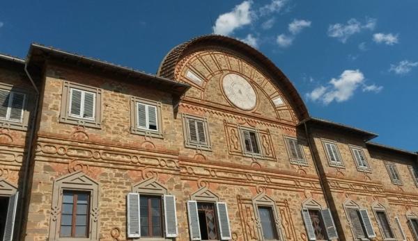 Замок строился довольно долго – с 1853 по 1889 годы