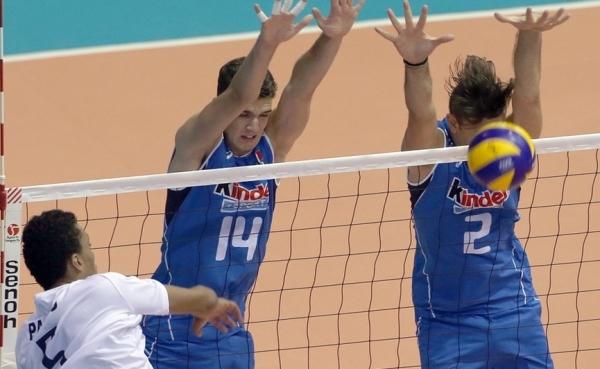 волейбол - Сборная Италии достаточно уверенно – 3:0 (25:21, 25:20, 25:15) выиграли у хозяев площадки