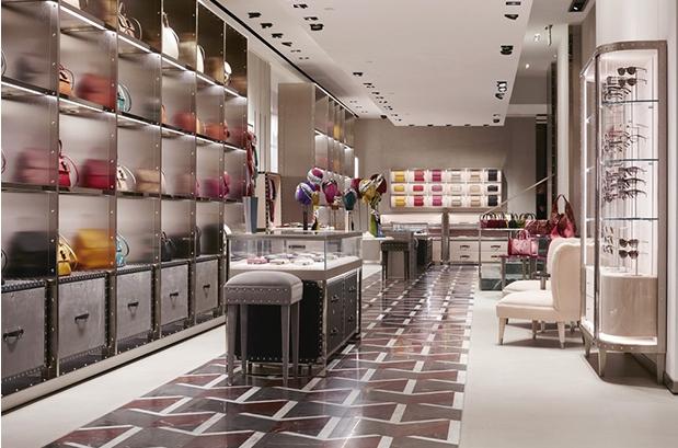 Gucci: обновленный дизайн для магазинов