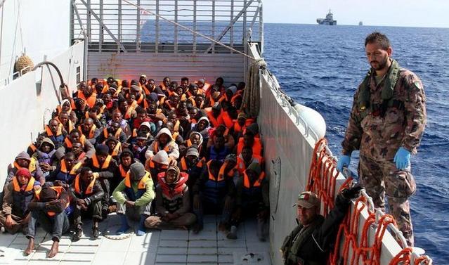 В Сицилийском проливе спасены еще 4 500 тысячи нелегалов