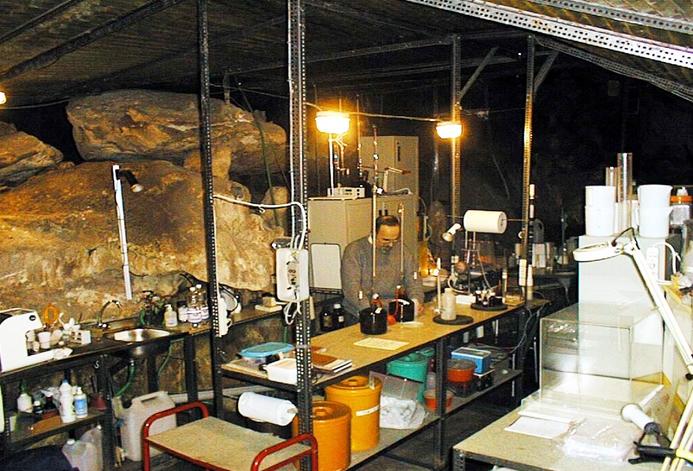 Грот Bossea - первая открытая для туристов итальянская пещера