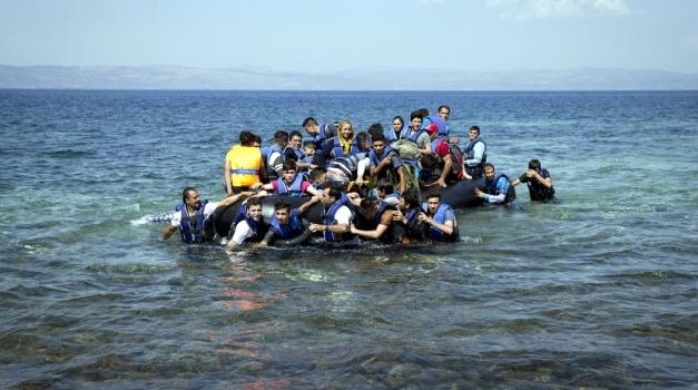 ЕС будет распределять 40 тысяч беженцев из Греции и Италии