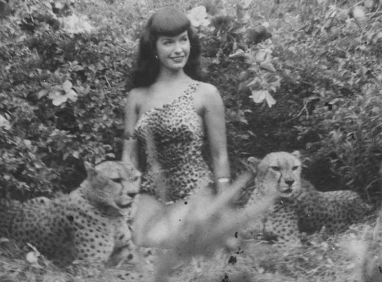 """Фотографии презентуют также """"Джунгли Бетти"""" - супер-модель позирует в зоопарке"""