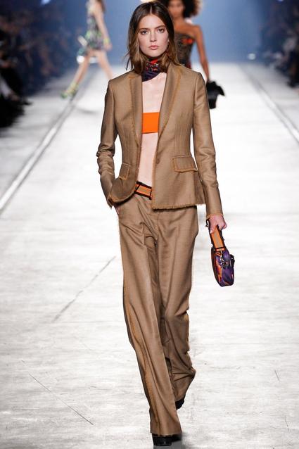 Подиум Versace в столице моды Милане